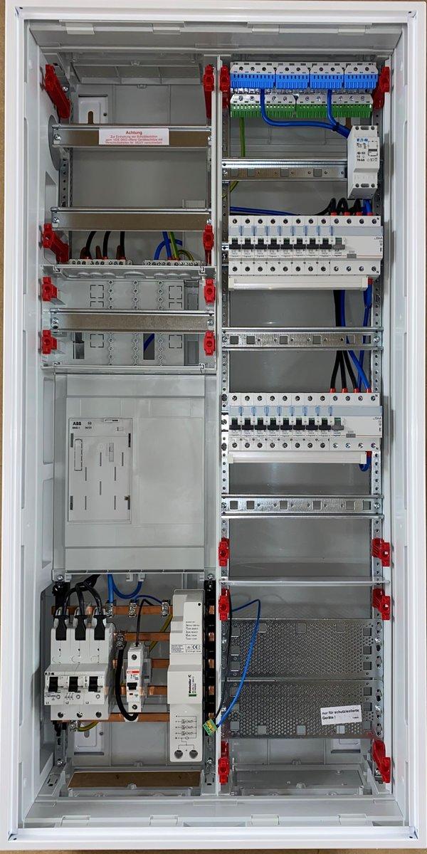 Striebel&John Zählerschrank KS729Z 1x Zählerfeld eHZ mit APZ bestückt (Reihenklemmen-Verdrahtung)